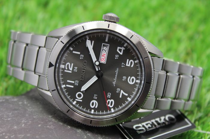 Seiko – Men's Automatic Watch – New & Perfect Condition