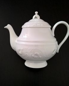 "Haviland Ch.Field & parlon Limoges, ""Empress"" series teapot in fine porcelain, never used"