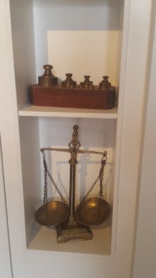 Antique brass  APOTHECARY SCALES  with Brass Metric Scale Weights for Measurement