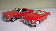 Mira - Scale 1/18 - Lot of 2 American legends: Chevrolet Corvette 1954 Convertible and Ford Mustang 1964 1/2  with catalogue of 1999