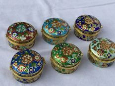 6 Cloisonné pill boxes, China, mid-20th century
