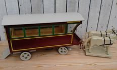 Large size handmade wooden horse tram - folk art along the lines of wood carving toys from the Erz mountains area - 20th century