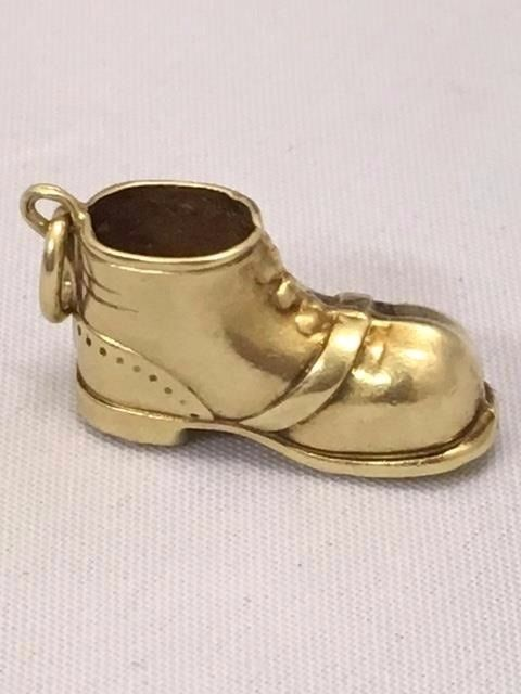 Antique gold charm - high shoe with shoelaces