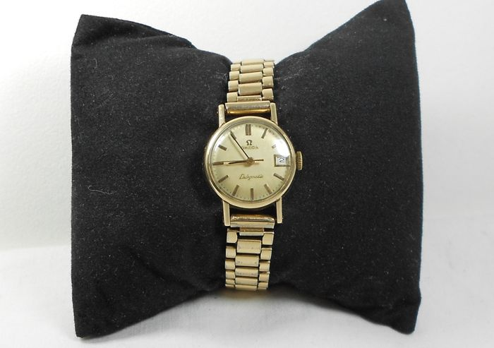 Omega Ladymatic Date Automatic 24 Jewles Solid 9ct Gold Ladies Watch Cal 681 Circa