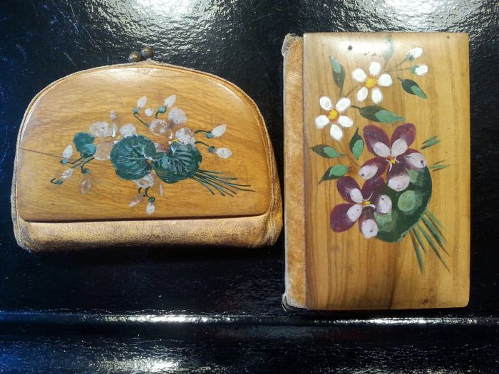 France - Old purse and sewing set in painted wood from the 19th century, Nice
