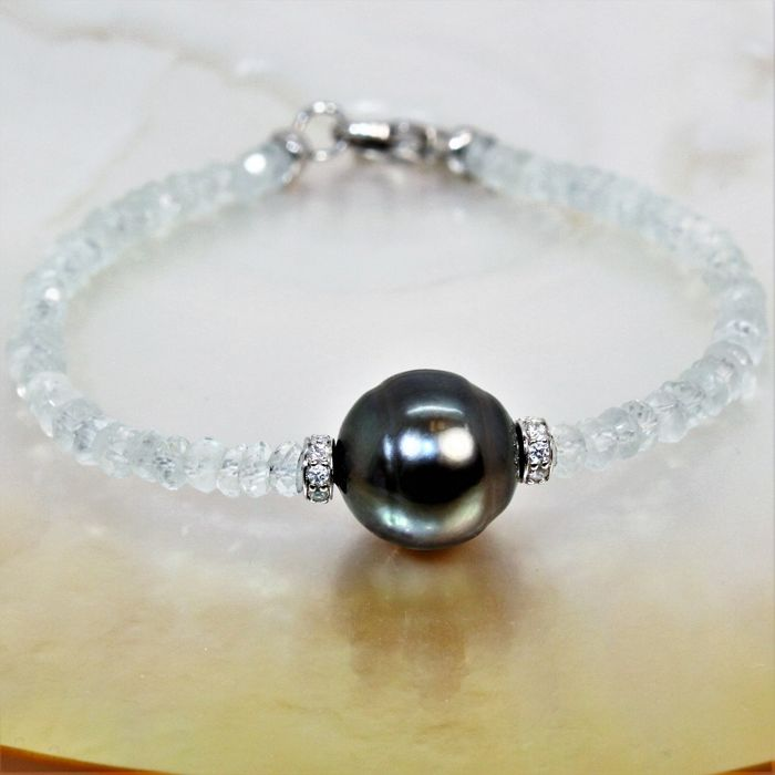 Bracelet composed of faceted aquamarines and Tahitian black pearl BQ Ø: 12.5 x 13 mm # NO RESERVE PRICE #