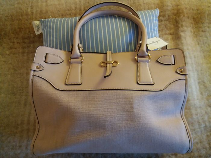 Salvatore Ferragamo - Handbag with handles - As new