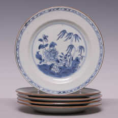 Set of 5 blue/white porcelain plates with a weeping willow in a garden - China - 18th century