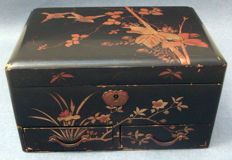 Lacquered jewelry box - Japan - ca. 1900