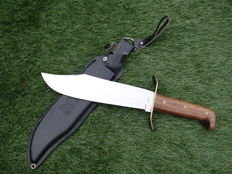 Large hunting knife