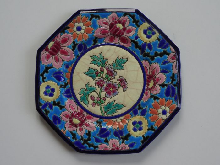 Longwy Enamels - Octagonal dessert plate with floral decoration