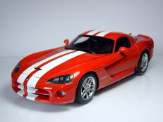AUTOart - Scale 1/18 - Dodge Viper SRT-10 Coupe 2006 - Red
