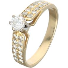 18 kt yellow gold shoulder ring set with 25 round brilliant cut diamonds of approx. 0.49 ct in total – Ring size:  17.25 mm