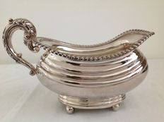 Large silver plated sauce bowl, finished with pearl rim