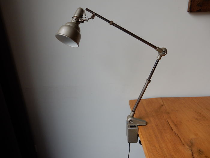 Lumina Brevete - Industrial lamp