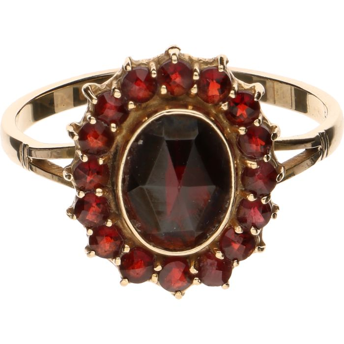 14 kt Yellow gold ring set with glass garnet - Ring size: 18 mm