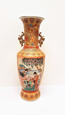 Satusuma porcelain vase 61 cm - China - late 20th century