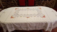 Old rectangular tablecloth for 6 services hand embroidered in beautiful colours and lace made by hand.