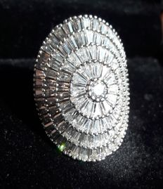 Ring with 450 ct pave diamonds. In 750 white gold and 925 silver ***No reserve price*