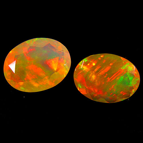 Lot of 2 white Opals - 2.04 ct (2)