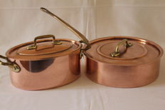 "French copper oval casserole and copper round saucepan ""Cuivre the Vesoul"", with lids"