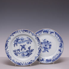 Two blue white porcelain plates - China - 18th century