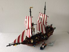 Pirates - 6243 - Brickbeard's Bounty