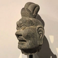 Chinese limestone head of a Lokapala from the Tang Dynasty - 21 cm