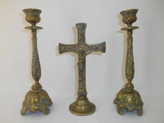 Bronze crucifix with 2 candlesticks from the 19th century