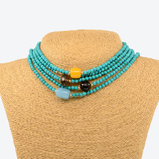 18kt/750 yellow gold long necklace with turquoises and assorted gemstones – Length: 175 cm.