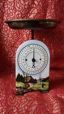 Enamelled weighing scale