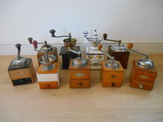 9 different old coffee grinders - a.o. in Italian porcelain
