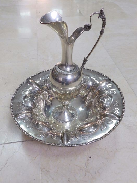 Silver ewer and washbasin - Spain - 19th and 20th century. 806 g