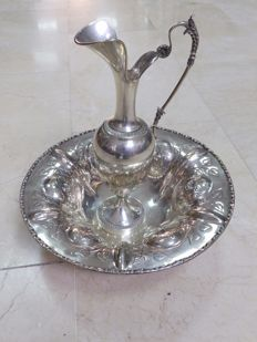 Pitcher and washbasin in silver - Spain - 19th and 20th century