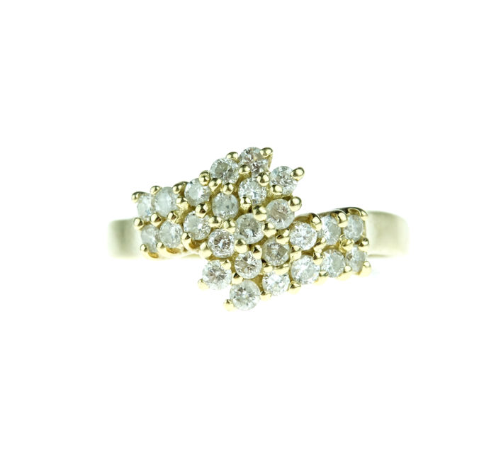 14 kt gold entourage ring set with diamonds, 0.50 carat - size 19