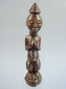 Luba figure - Luba - Democratic Republic of Congo