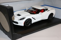 Maisto - Scale 1/18 - Corvette Stingray Z51 2014