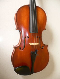 Nice 4/4 English violin by William Hill