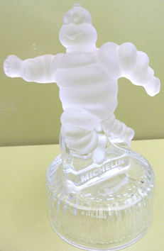 Michelin - Bibendum - advertising trophy figurine in crystal  - 19 cm