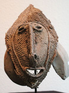 Talipun Mask - Primitive Money with Turbo Marmoratus Snail