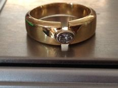 Wedding ring in 18 kt gold with diamond - size 17.9 mm.