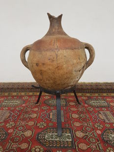 Terracotta Amphora to store water, painted with Indigenous patterns - cm 51, width cm 46, weight kg 10.