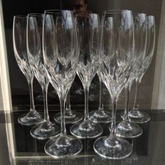 Lot of 9 champagne flutes of fine crystal