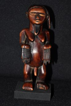 Tribal power figure - BEMBE or BABEMBE - D.R. Congo