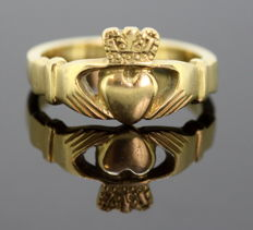 Vintage 18K Yellow Gold Ladies Ring, RMB, Circa.1960's