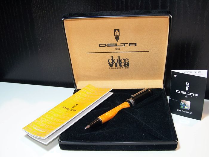 Delta Dolcevita mechanical pencil, handmade in resin and 925 sterling silver, Made in Italy, like new complete with box and papers