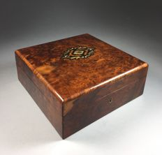 Thuya wooden jewellery box with brass inlay - France - c. 1900