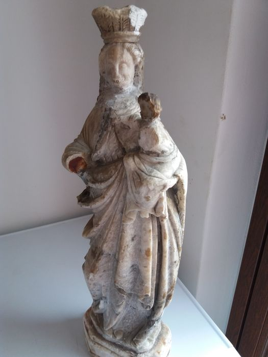Madonna in alabaster or marble, early 17th century