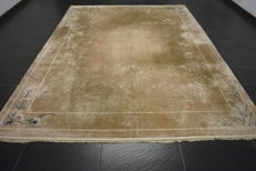 Chinese silk carpet, handwoven Art Deco silk on silk years 245 x 310 cm