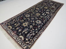 Wonderful, beautiful Persian carpet, Nain/Iran, 200 x 80 cm, end of the 20th century. Very good condition - with silk -